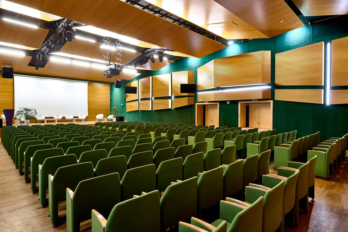 The large conference room, rent a large hall for conferences